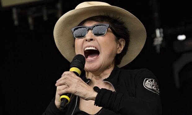 Yoko Ono en concierto